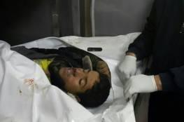 بالصور... العثور على شهيدين إثر القصف المدفعي شرق رفح