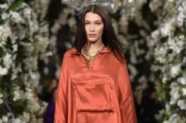 بيلا حديد .. عارضة أزياء ونجمة عالمية من أصول فلسطينية