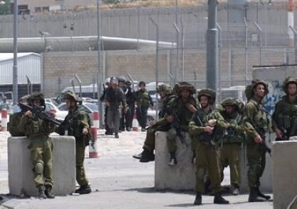 فيديو: اعتقال شاب على حاجز مخيم شعفاط بزعم عملية طعن