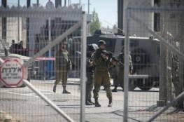 عبوة ناسفة باتجاه حاجز للاحتلال في الخليل