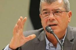 قراقع: الاسرى الإداريون سيضربون عن الطعام الشهر المقبل