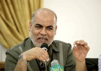 قيادي في حماس: ماضي دحلان أفضل من حاضر عباس
