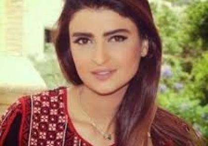 أكاديمي سعودي ينهال بالشتائم على علا الفارس والسبب طفلة فلسطينية .. هكذا ردّت