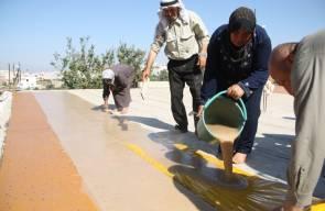 عائله فلسطينيه تصنع (الملبن) من عصير العنب