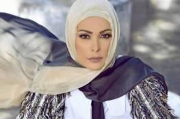 أمل حجازي تعلن موقفها من نزع حلا شيحا للحجاب
