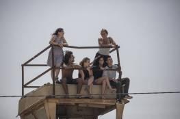 صور: ميدل ايست مونيتور : سينما في الهواء الطلق للمستوطنين لمشاهدة قنص الجنود للفلسطينيين العُزّل !