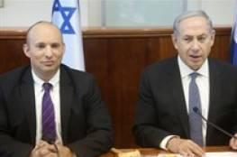 """بينيت """"يبتز"""" نتنياهو ويهدد: إما وزارة الجيش أو تفكيك الحكومة"""