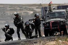 الخليل: إصابة 4 فلسطينيين برصاص قوات الاحتلال