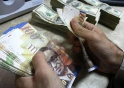 2.706 مليار شيكل إيرادات السجائر والمحروقات في 2014