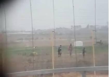 الاحتلال يحقق في تسريب مقاطع قنص قام بها جنوده على حدود غزة