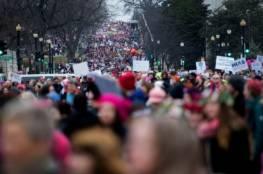 نحو نصف مليون متظاهر مناهض لترامب يحتشدون في واشنطن