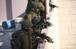 الخليل:صور الدمار الذي خلفه الاحتلال خلال عملية اغتيال الشهيدين ابو عيشه و القواسمي