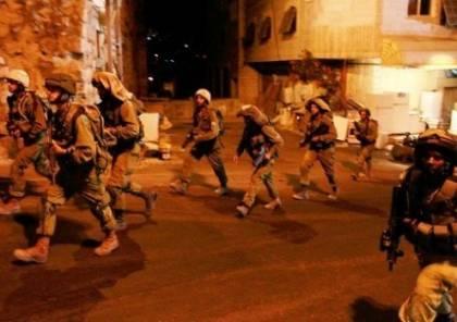 حملة اعتقالات واسعة في مناطق مختلفة من الضفة الغربية فجر اليوم