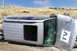 رام الله : اصابة 3 صحفيين من الجزيرة بحادث سير