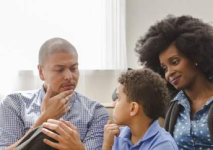 كيف تفسِّر لطفلك العلاقة الحميمة؟ لا تنتظر لمرحلة البلوغ
