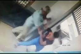 فيديو.. سجينان يهربان على طريقة الأفلام