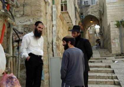 القدس المحتلة: مستوطنون يعتدون على الممتلكات في سلوان واعتقال 3 شبان