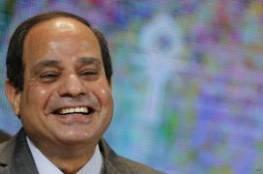 """فيديو: السيسي يدخل في نوبة ضحك بسبب سؤال عن """"الربيع العربي"""""""