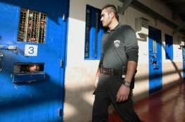 مصلحة السجون الإسرائيلية تتنكر لاتفاقها مع الأسرى: لا هواتف قريباً