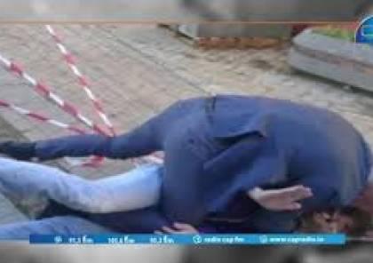 فيديو: شاب يصفع رئيس الوزراء الفرنسي السابق مانويل فالس امام مؤيديه