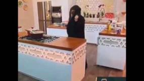 اشتعل حجابها على الهواء مباشرةً.. شاهدوا ردّة فعلها الصادمة!!