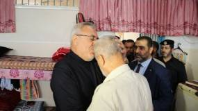 غزة:تحت رعاية النائب العام وبعد 9 سنوات من الحادثة..والد المجني عليه يعفو عن الجاني