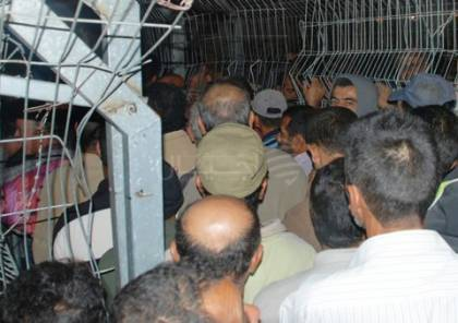"""إجراءات اسرائيلية جديدة للتخلص من """"سماسرة"""" التصاريح وقرار بادخال عمال غزة اليوم"""