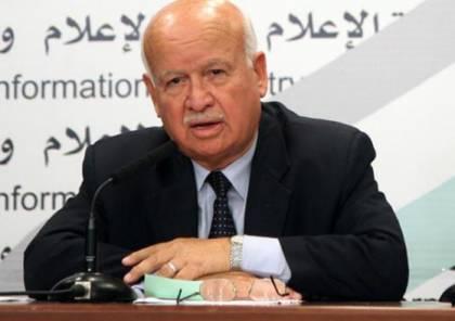الأغا يدعو الرئيس عباس لإنصاف موظفي غزة: لقد بلغت القلوب الحناجر!