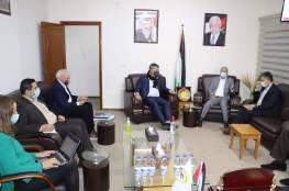 تفاصيل اجتماع مفوض الاونروا فيليب لازاريني مع أحمد أبو هولي