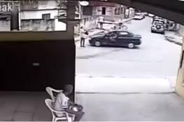 فيديو .. اختطاف امرأة من وسط الشارع نهارا أمام أعين المارة!