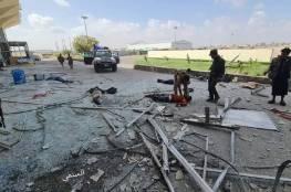 شاهد.. قتلى وإصابات بانفجار كبير استهدف الحكومة اليمنية في مطار عدن