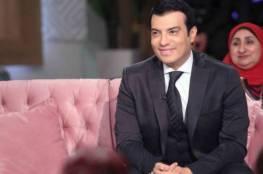 فيديو.. إيهاب توفيق يبكي بسبب أولاده ويغادر الإستوديو!