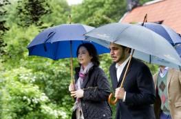 الأمير علي يمازح زوجته أثناء مقابلة على قناة ألمانية (شاهد)