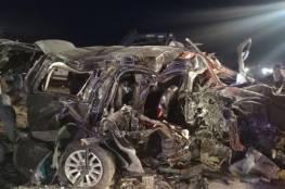 صور: مصرع نائب أردني وزوجته واولاده الخمسة جراء حادث سير مروع