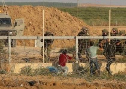 الاحتلال يعتقل شابًا بزعم اجتيازه السياج الحدودي مع غزة