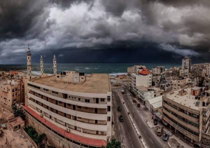 طقس فلسطين : انخفاض الحرارة ورياح قوية وامطار