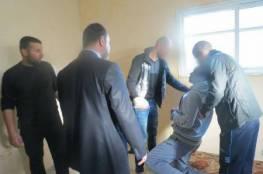 غزة: متهمان يمثلان جريمة قتل المواطن النجار