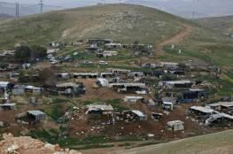 الاحتلال يقيم حيا استيطانيا جديدا قرب قرية خان الأحمر المنوي هدمها