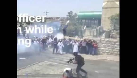 جندي إسرائيلي يركل مُصلٍّ في القدس