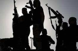 قبائل سيناء تكتشف مخازن للمتفجرات وتسلمها للجيش المصري