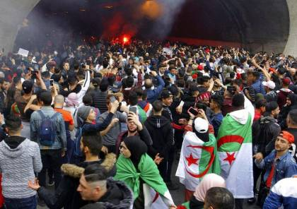 الرئيس الجزائري يحدد موعد اجراء الانتخابات الرئاسية