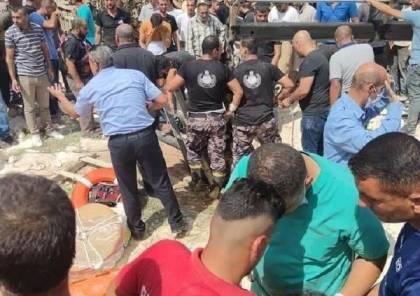 مصرع 6 أشخاص من عائلة واحدة بينهم 3 اشقاء جراء سقوطهم بحفرة امتصاص في الخليل