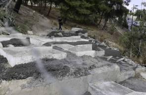 بلدية الاحتلال تهدم بعض من قبور مقبرة باب الاسباط في القدس