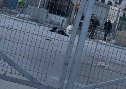 اصابة فتاة بجراح خطرة على حاجز قلنديا بعد اطلاق النار عليها بزعم محاولة طعن