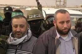 عائلة تنفذ حكم الإعدام بحق أحد ابنائها تورط في اغتيال قادة القسام الثلاثة