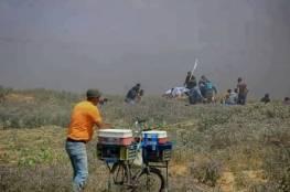 "استشهاد ""بائع البراد "" متاثرا بجراحه على حدود غزة"