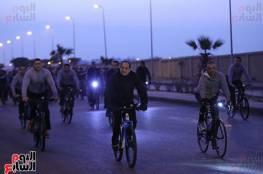 شاهد: السيسي على الدراجة مبتسماً ويشارك في ماراثون بالقاهرة