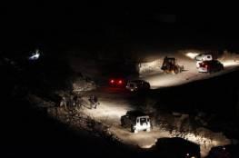 الاحتلال الاسرائيلي يغلق طرق فرعية مؤدية إلى الخان الأحمر