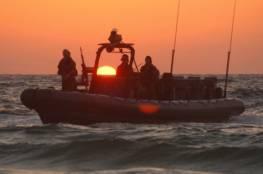 زوارق الاحتلال تطلق نيرانها تجاه الصيادين شمال القطاع