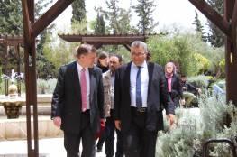 القنصل البريطاني العام في ضيافة جامعة القدس